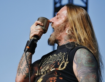 Coal Chamber Vocalist Dez Fafara Talks His Love of Various Genres of Music, Fondness for Rob Zombie and More