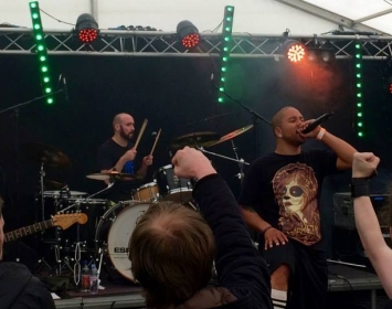 Ryan from Spirytus rocks Barmetal at Wildfire Festival